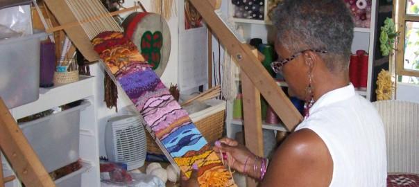 joan-weaving-crop